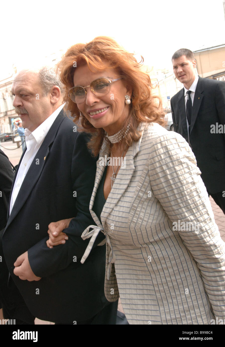 Italian film star Sophia Loren and television anchorman Yakov Brandt left Doctor of Medicine before the news conference - Stock Image