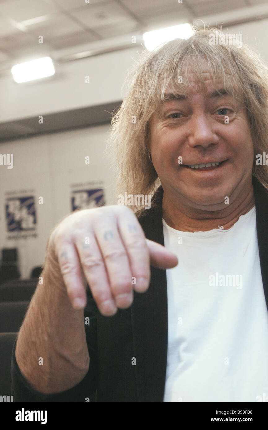 The guitarist of Smokie rock group Alan Silson at RIA Novosti briefing - Stock Image