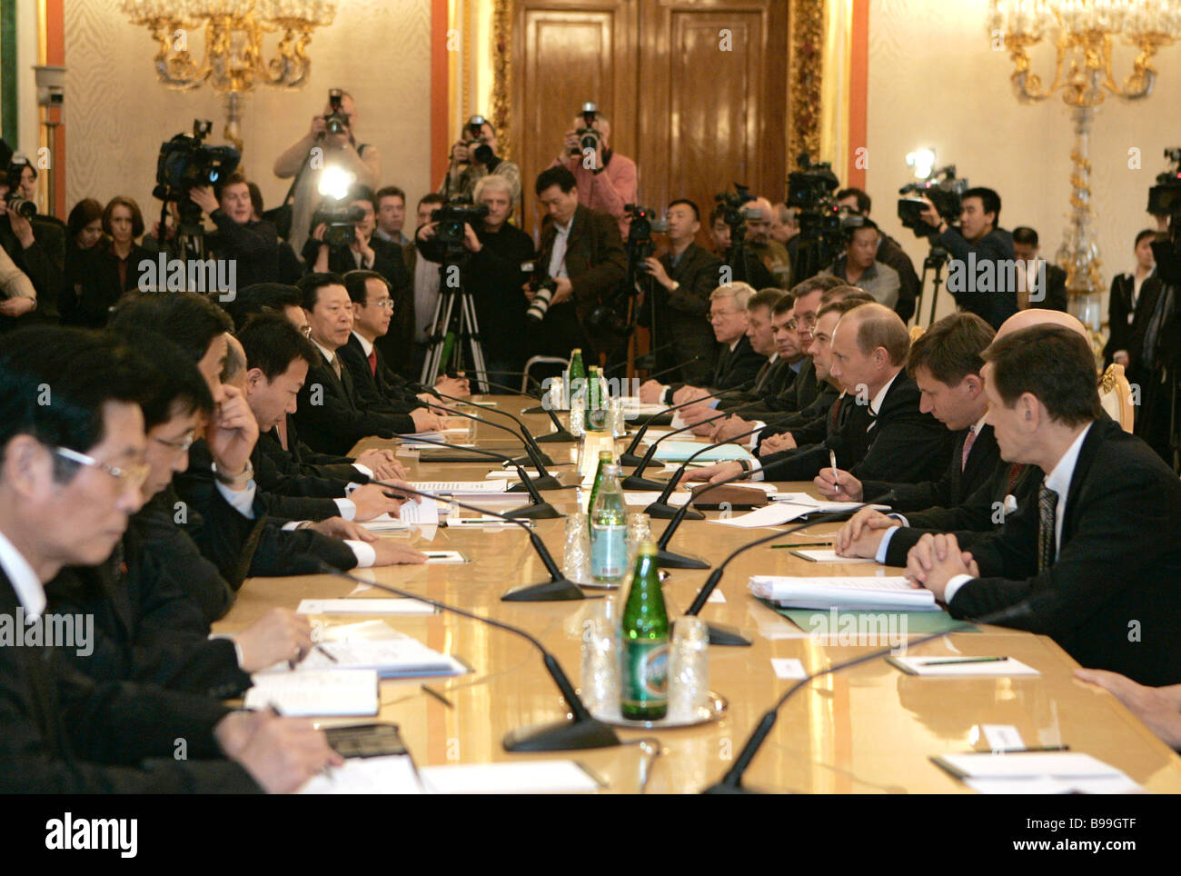Russo Chinese negotiations in the Kremlin Stock Photo