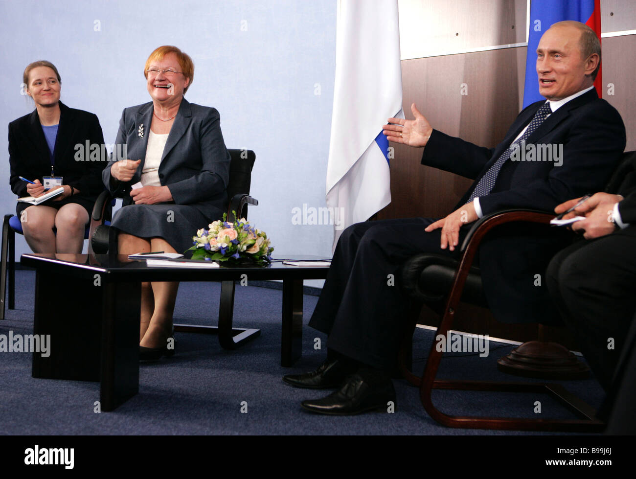 Presidents Tarja Halonen of Finland and Vladimir Putin of Russia second and third from left to right respectively - Stock Image