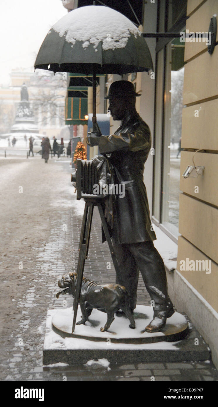 A monument to photographer Karl Bulla on Malaya Sadovaya Street outside the house in which he had his studio at - Stock Image