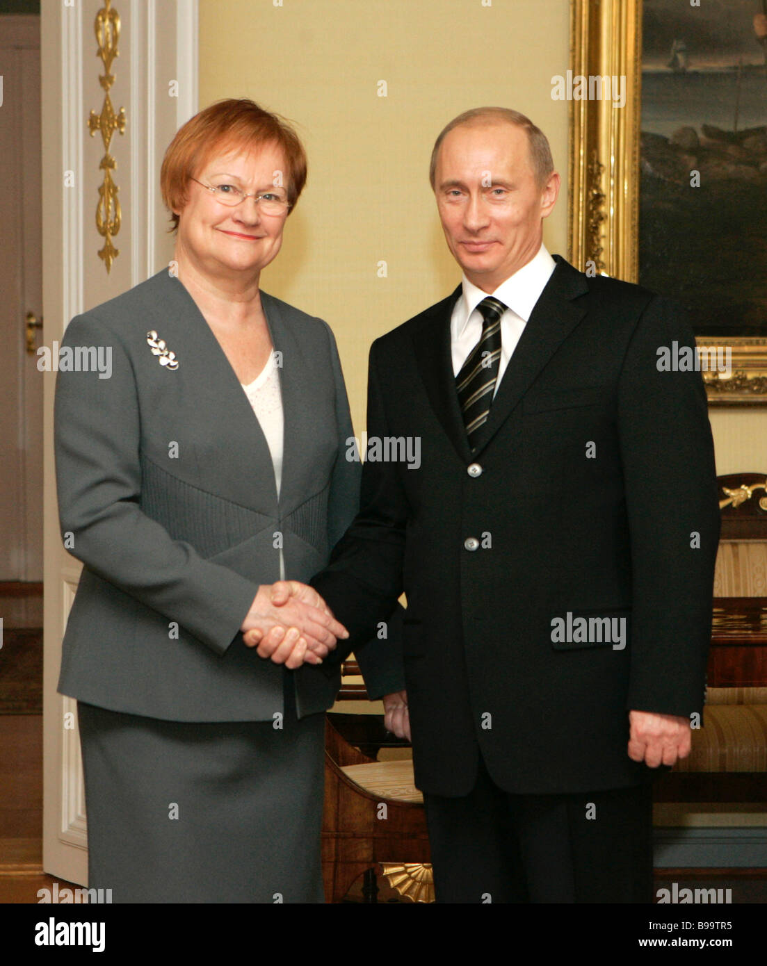 Presidents Tarja Halonen of Finland and Vladimir Putin of Russia meet in  the Presidential Palace in Helsinki 7aee36add7