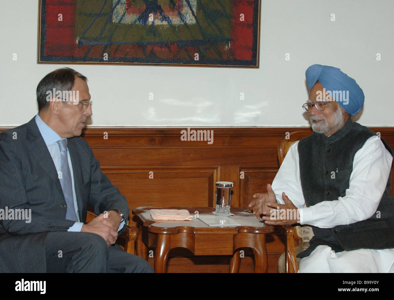 Manmohan Singh Prime Minister of India receiving Sergei Lavrov Russian Minister of Foreign Affairs in New Delhi - Stock Image