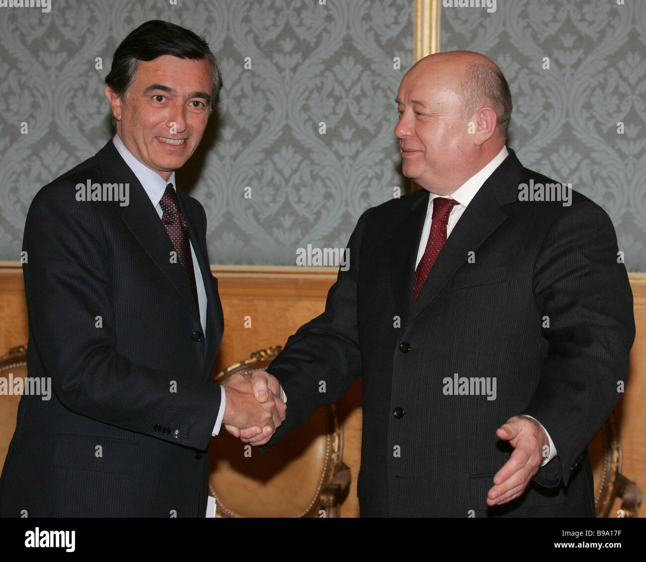 Right to left Russia s Prime Minister Mikhail Fradkov and French Foreign Minister Philippe Douste Blazy meeting - Stock Image