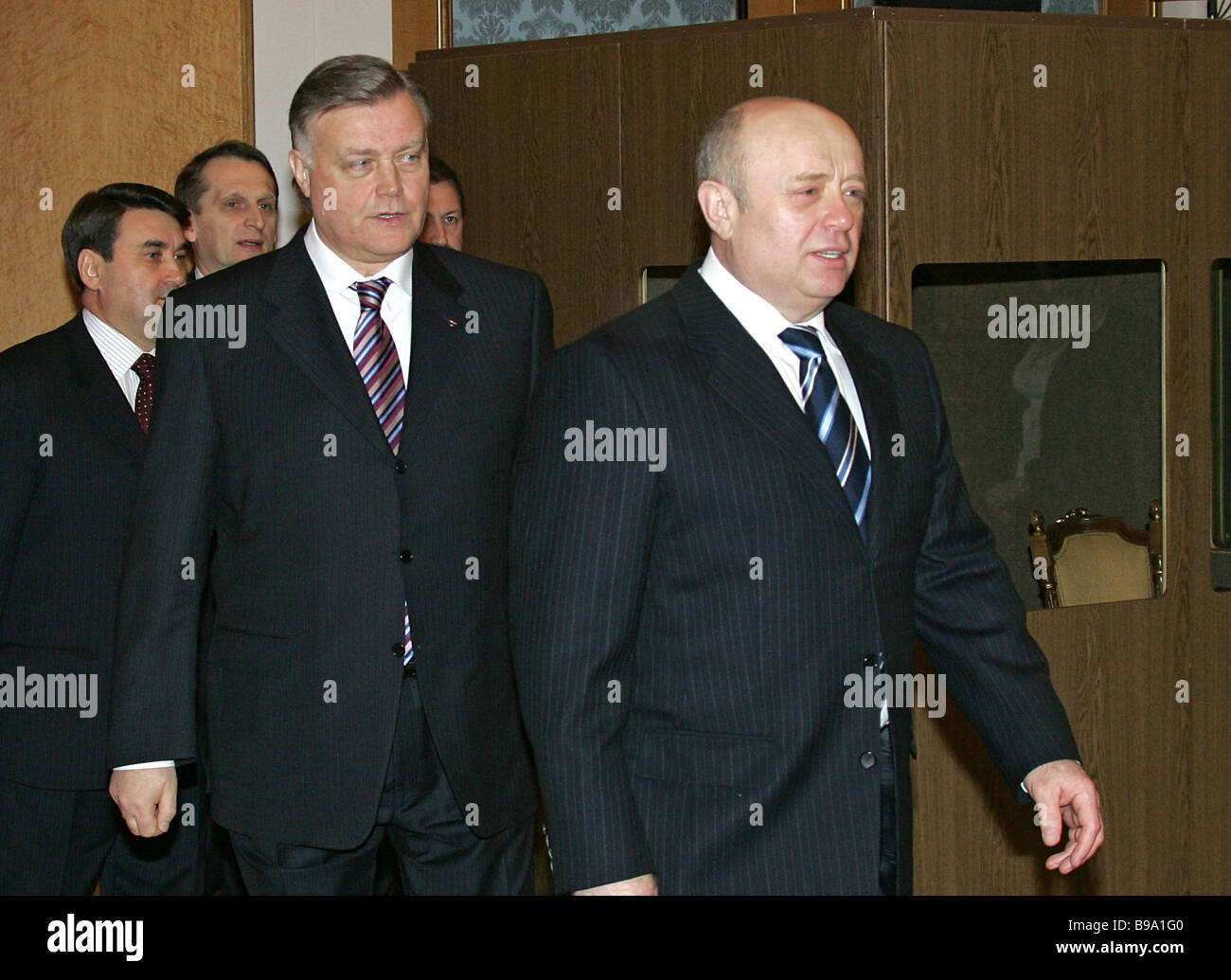 https://c8.alamy.com/comp/B9A1G0/vladimir-yakunin-president-of-company-russian-railways-and-russian-B9A1G0.jpg