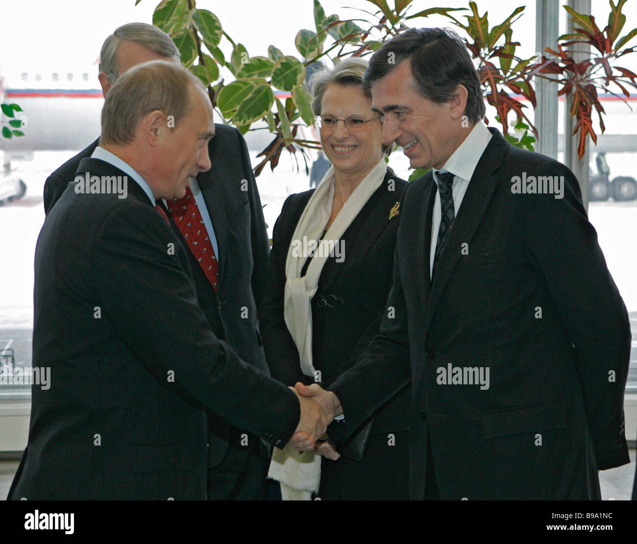 Russian President Vladimir Putin French Foreign Minister Philippe Douste Blazy left to right foreground and French - Stock Image