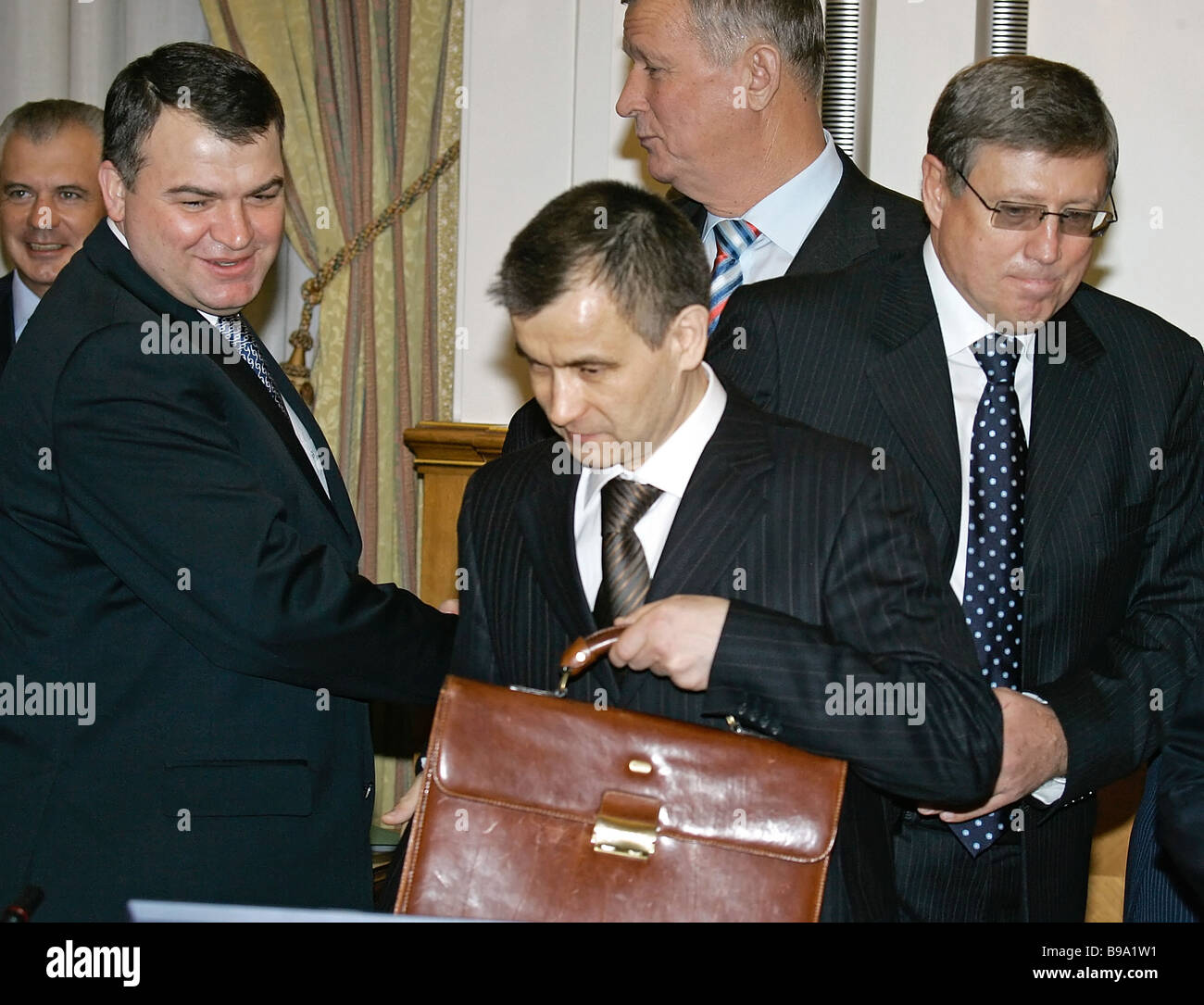 Anatoly Serdyukov refuses to explain in the case of the theft in the Ministry of Defense 24.07.2013 32