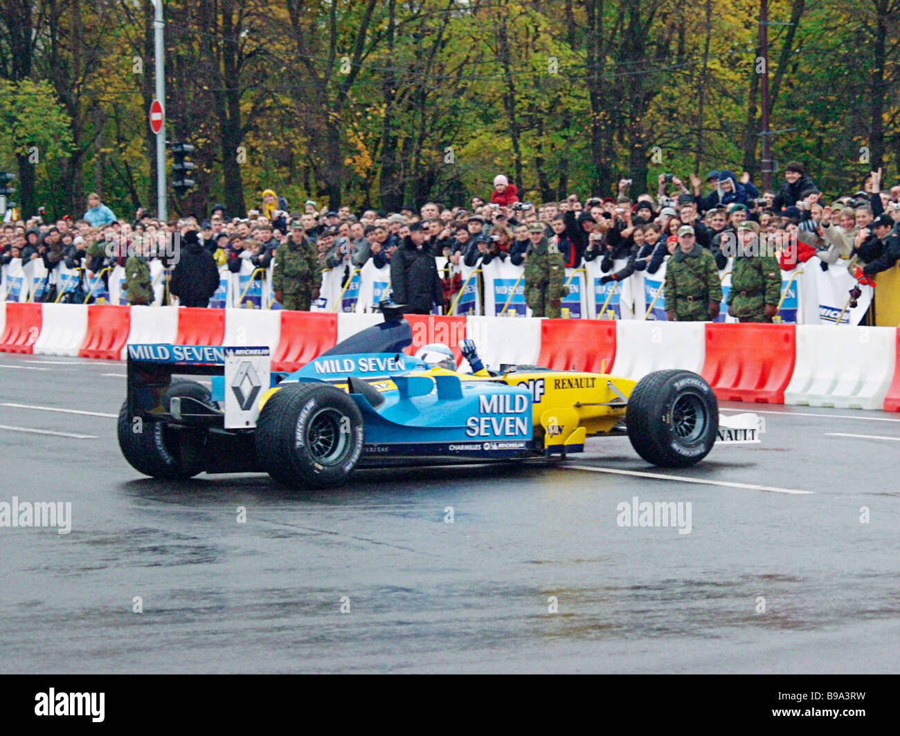 The first Formula One race in Moscow Jarno Trulli and Fernando Alonso of the Reno team at a special route built - Stock Image
