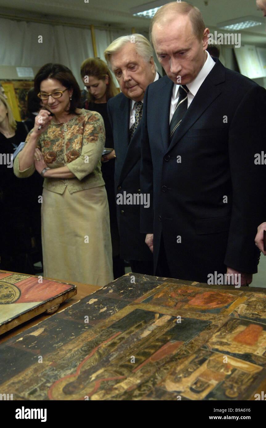 Russian President Vladimir Putin Front Right And Artist Ilya Glazunov Stock Photo Alamy