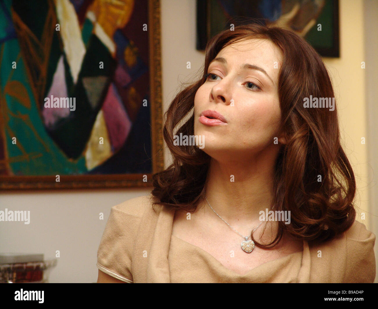 Русские актрисы музыки, реальная съемка на мобилу домашнего порно