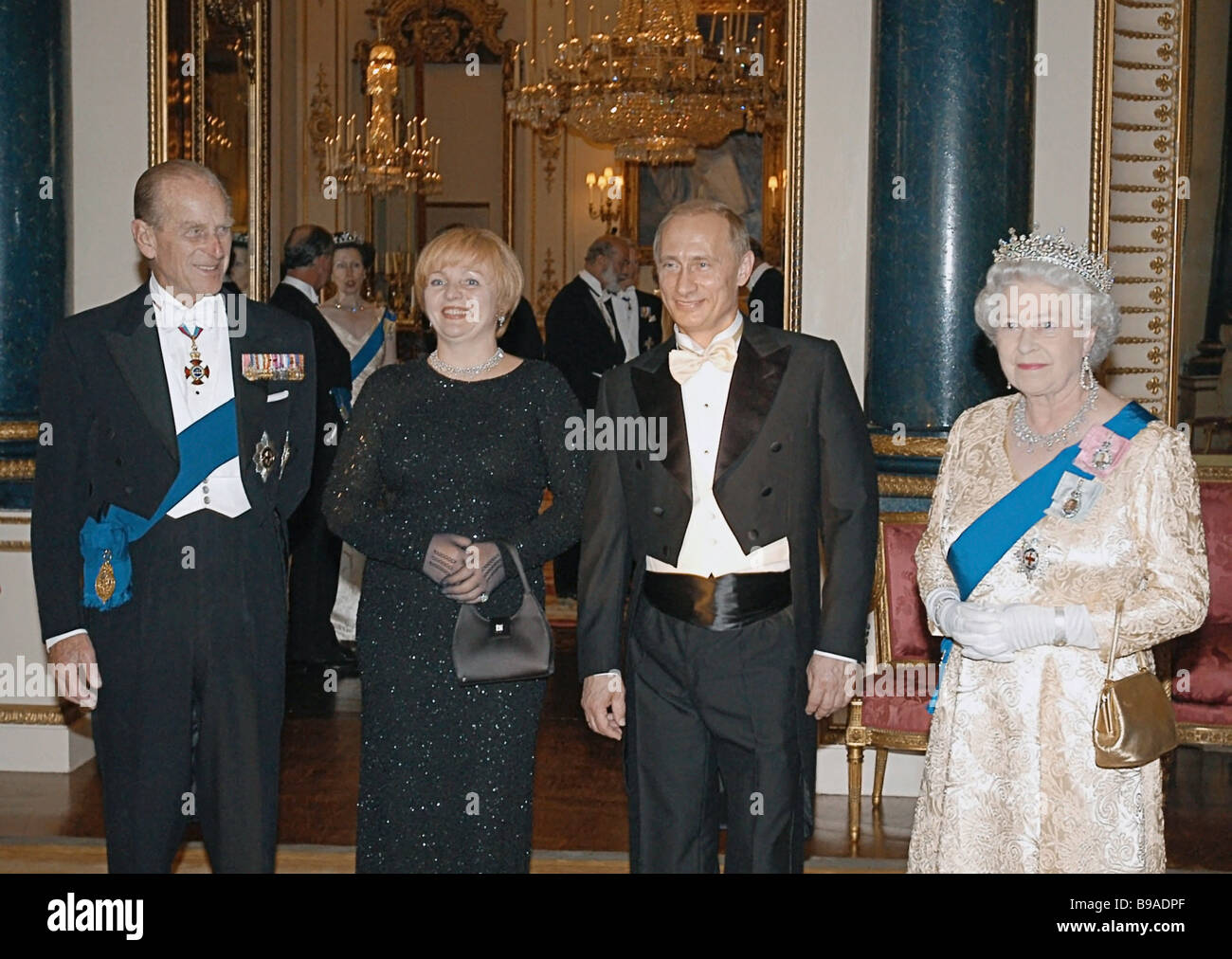 British Queen Elizabeth Ii Russian President Vladimir Putin Mrs Stock Photo Alamy