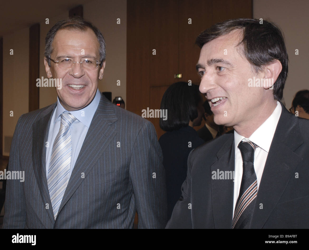 Sergei Lavrov Russia s Foreign Minister left and Filippe Douste Blazy his French counterpart meet in Berlin - Stock Image
