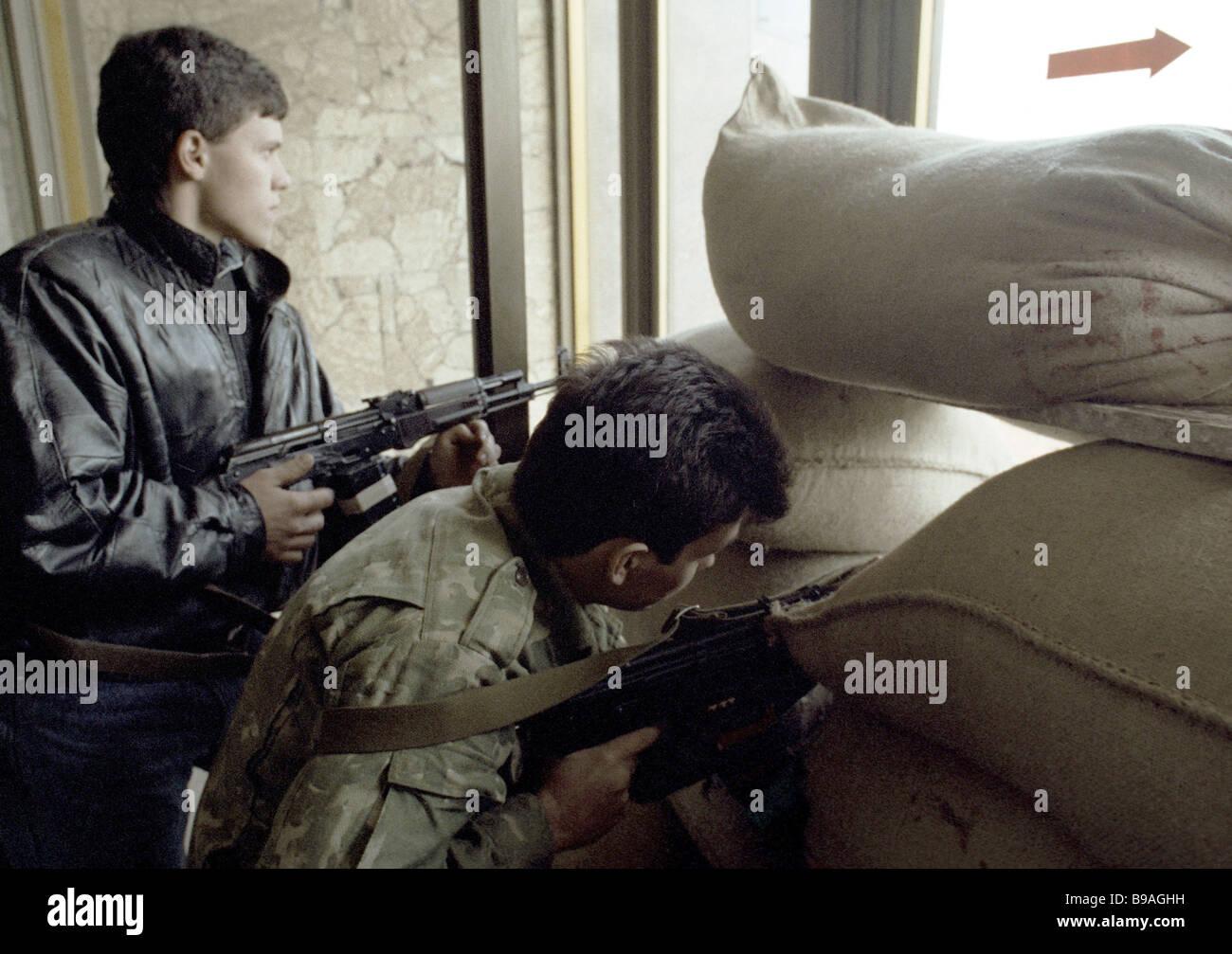 Defending the guards headquarters Moldova 1992 - Stock Image