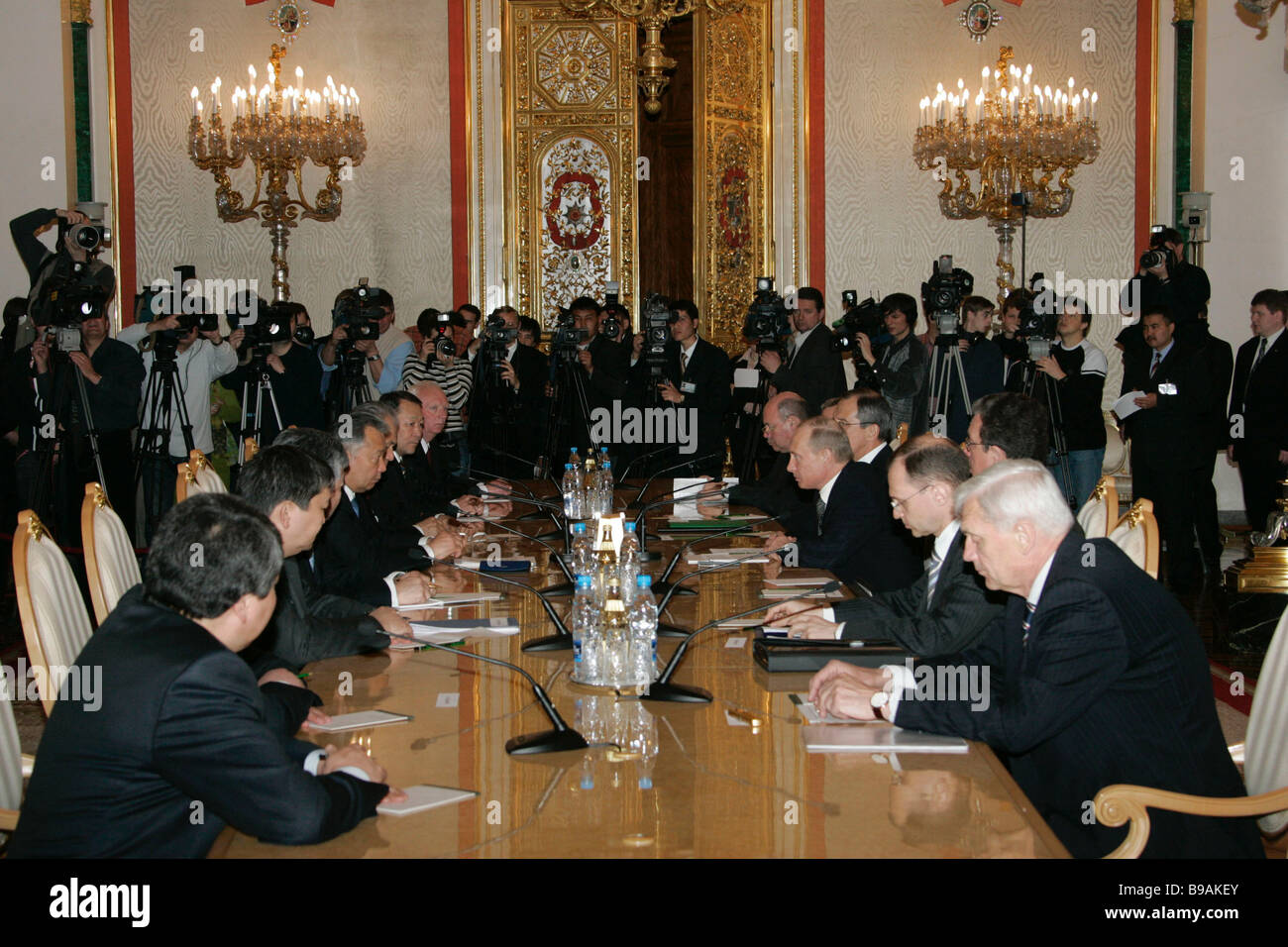 Russo Kyrgyz negotiations in the Kremlin Stock Photo