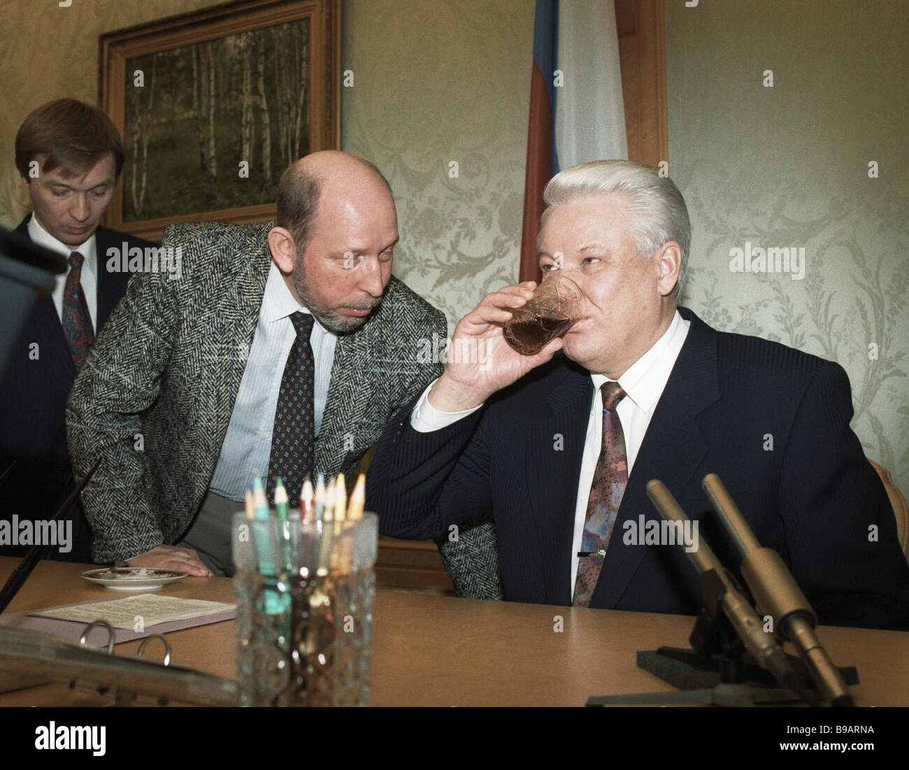 Herr president boris nikolajevitj jeltsin