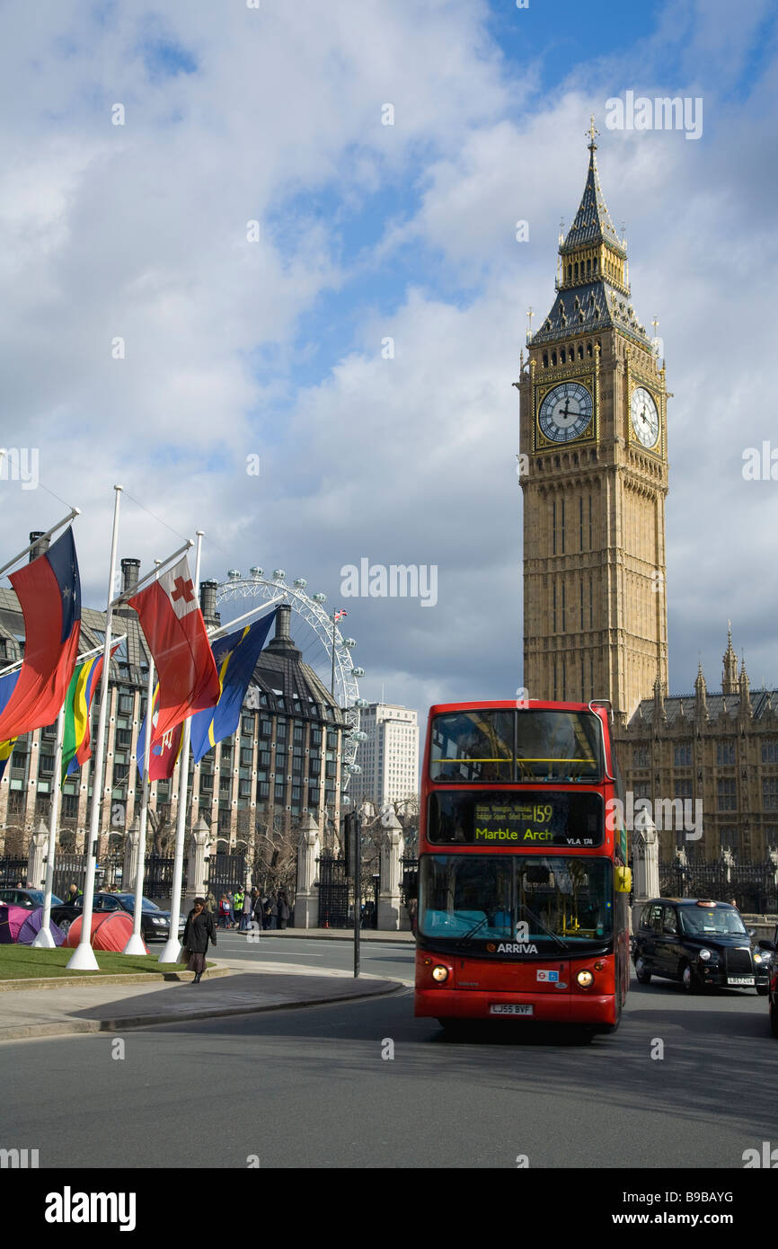 Big Ben clock Houses of Parliament and Parliament Square Westminster London England Great Britain United Kingdom - Stock Image