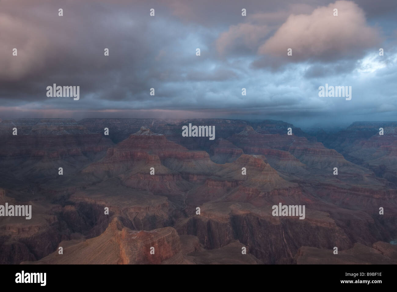 Approaching winter storm over the Grand Canyon in late afternoon light from Hopi Point - Stock Image
