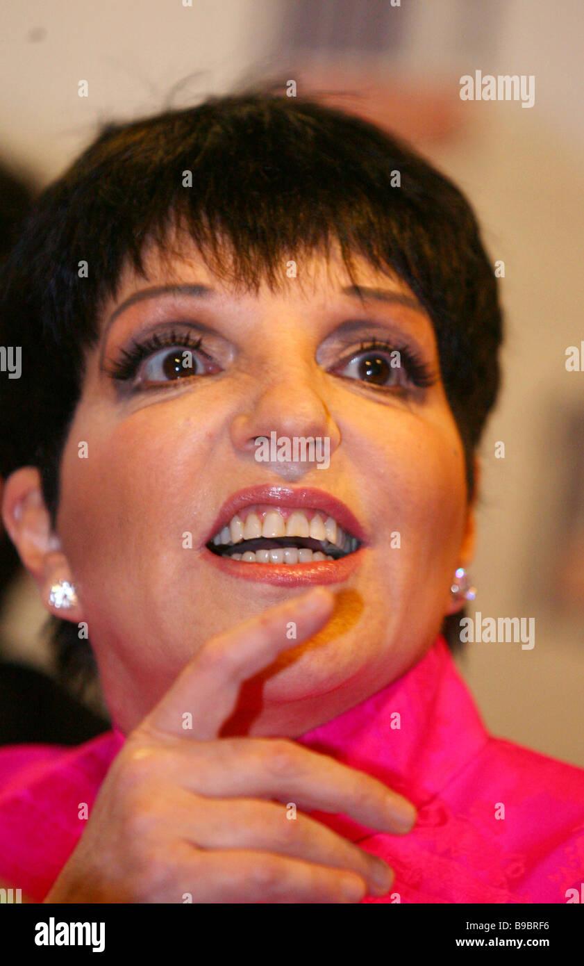 Singer Liza Minnelli Stock Photos & Singer Liza Minnelli