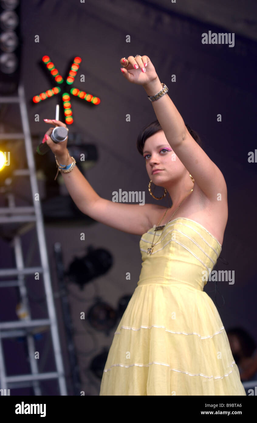 Young Lily Allen naked (53 foto and video), Sexy, Bikini, Boobs, see through 2006