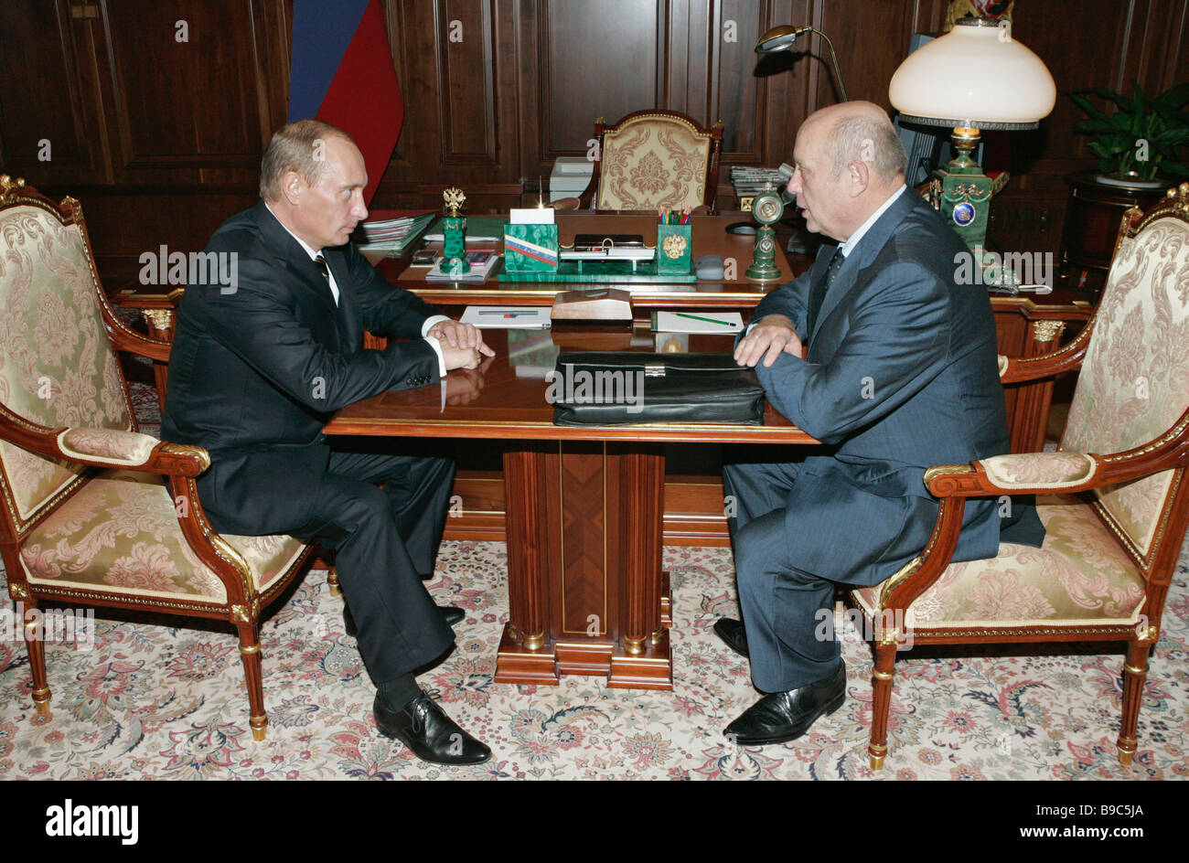 Russian President Vladimir Putin and Prime Minister of the Russian Federation Mikhail Fradkov left to right meeting - Stock Image