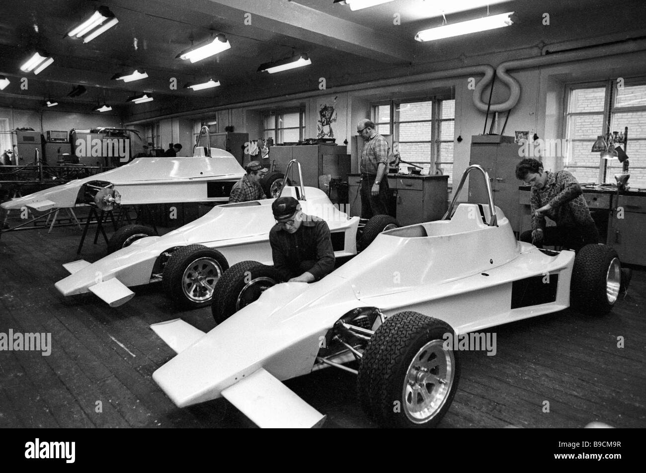 An assembly shop of racing cars Estonia 20 of the Tallinn auto repair integrated works - Stock Image