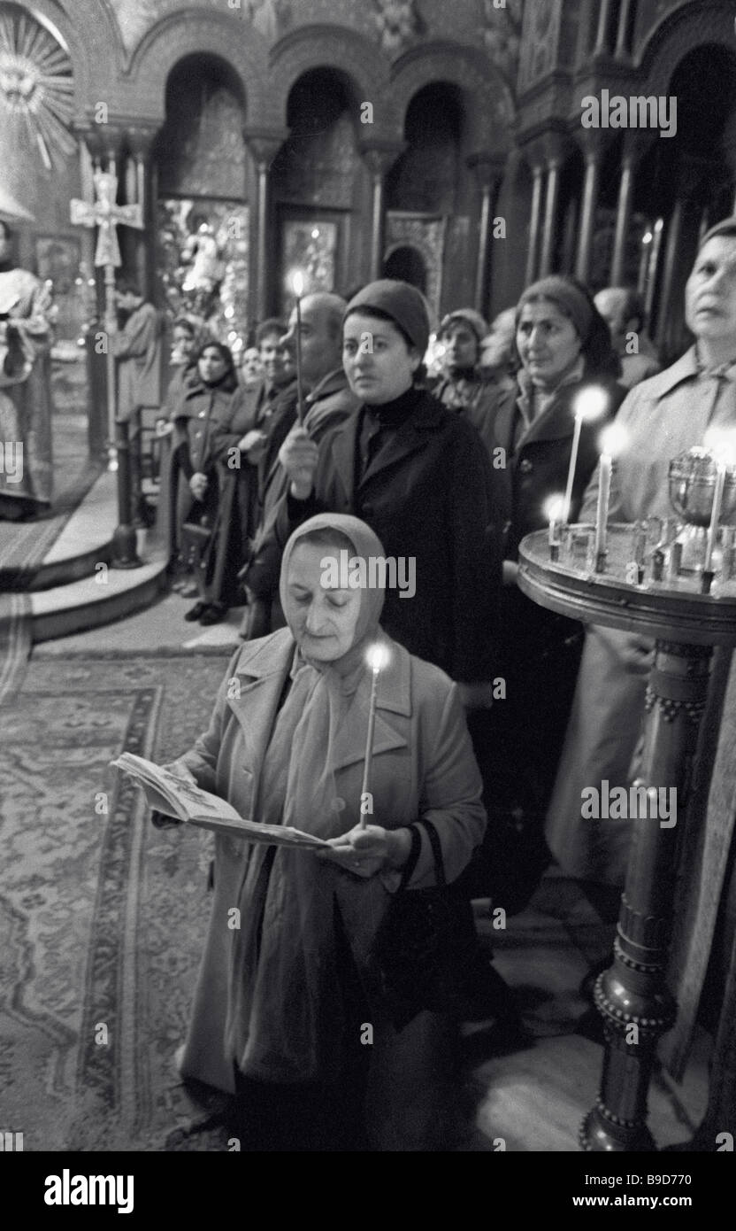 Divine service at the fifth century Sion Cathedral in Tbilisi - Stock Image
