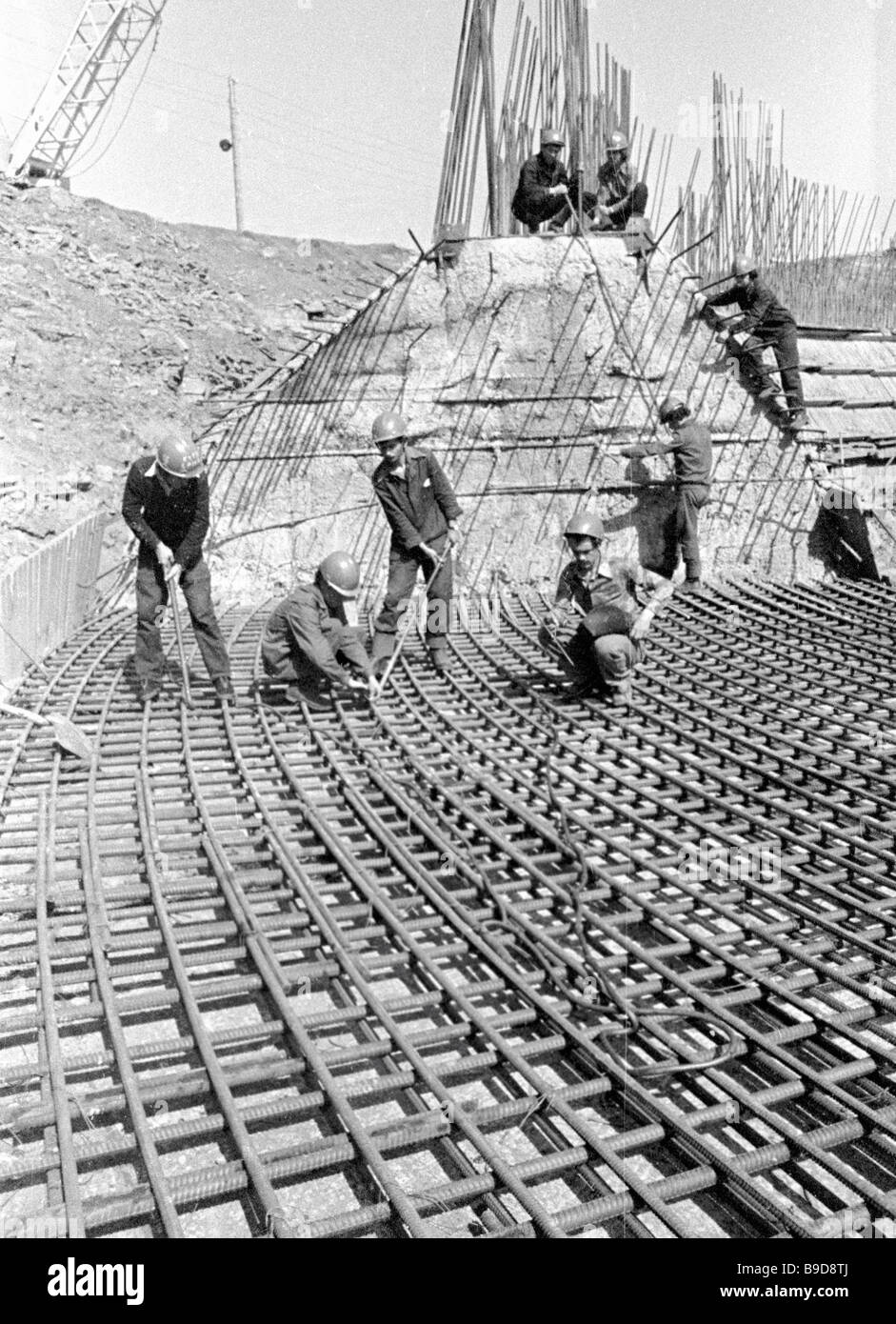 Workers put reinforcement at the construction of the Berezovskaya TPP 1 Kanskoi Achinsk fuel energy complex - Stock Image