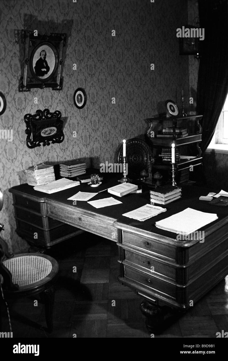 Dostoyevsky s study in the Dostoyevsky Memorial Museum In this house No 5 2 on the crossroads of the Kuznetsky Pereulok - Stock Image