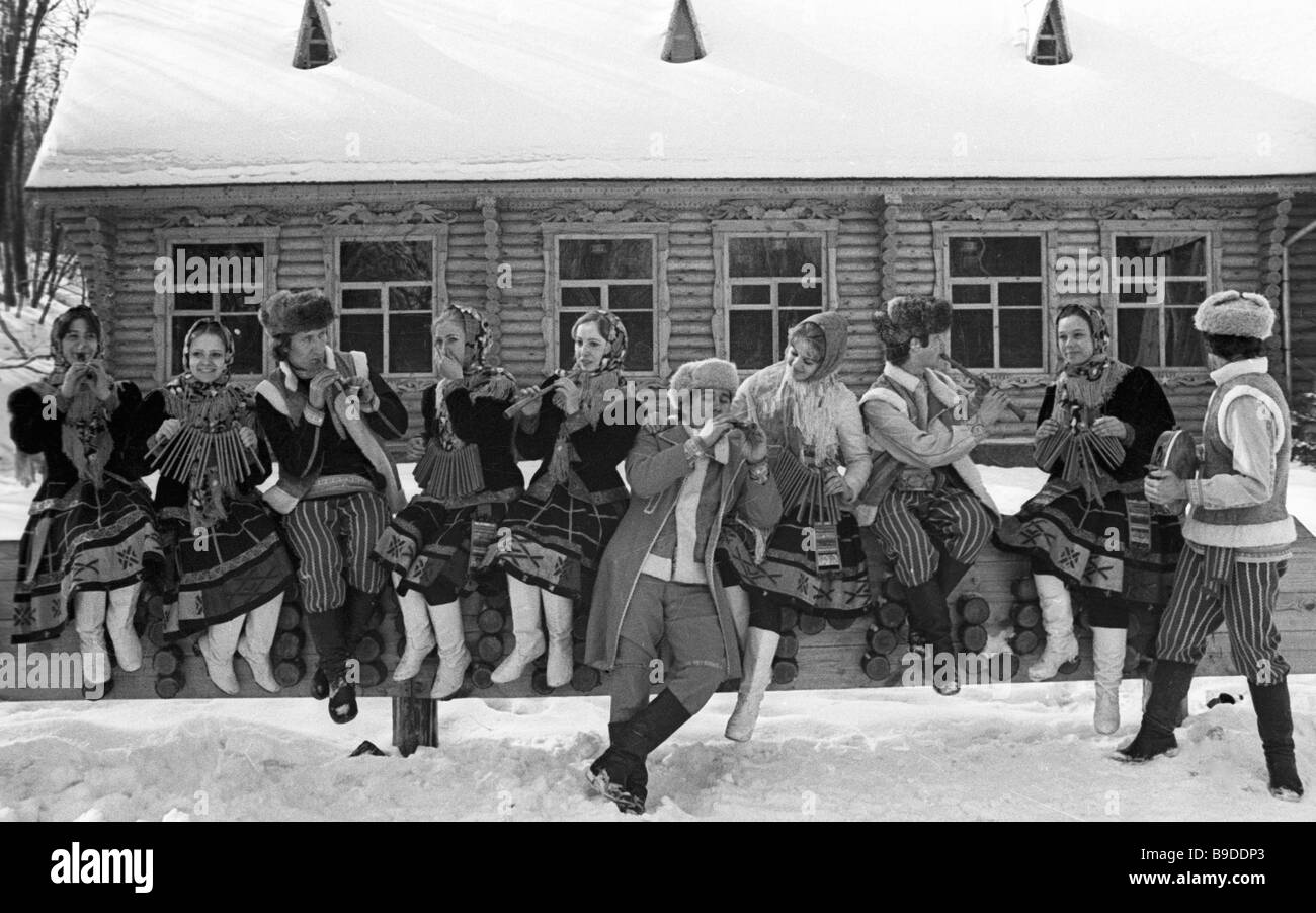 The Lada amateur group from Voronezh plays folk music - Stock Image