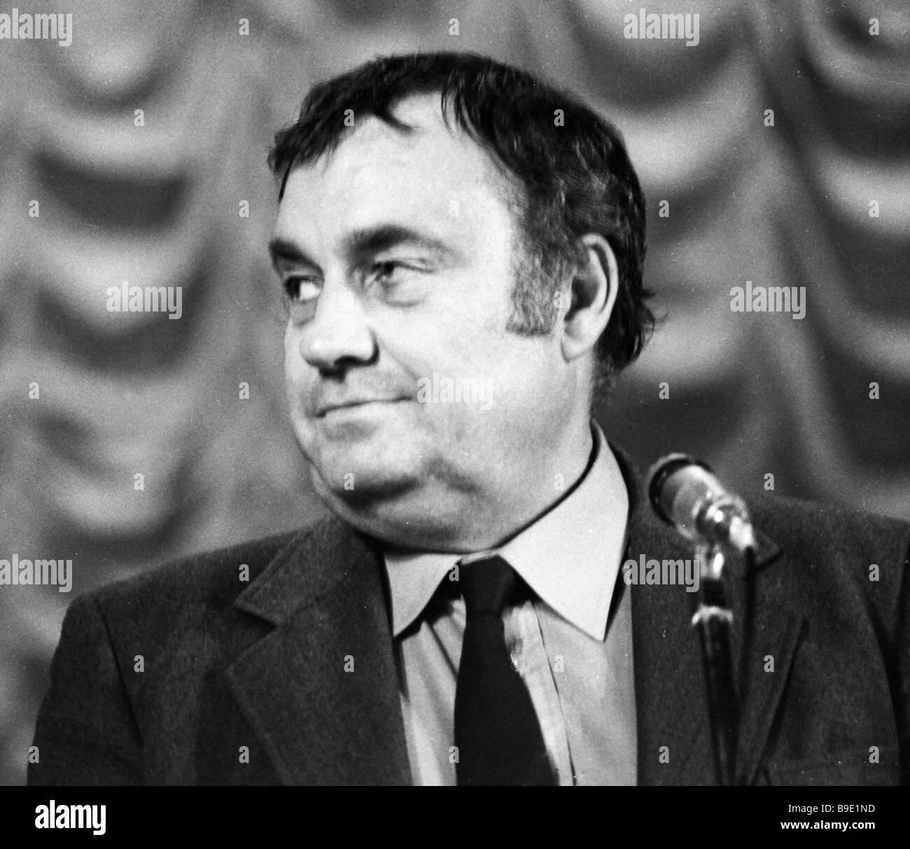 Why Eldar Ryazanov made a film Garage 26