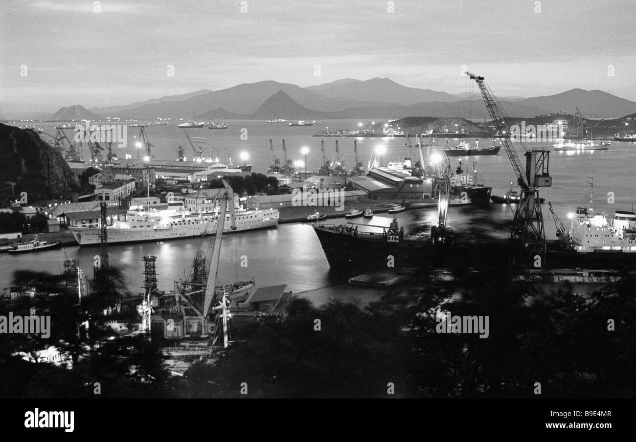 Nakhodka Port in the evening - Stock Image