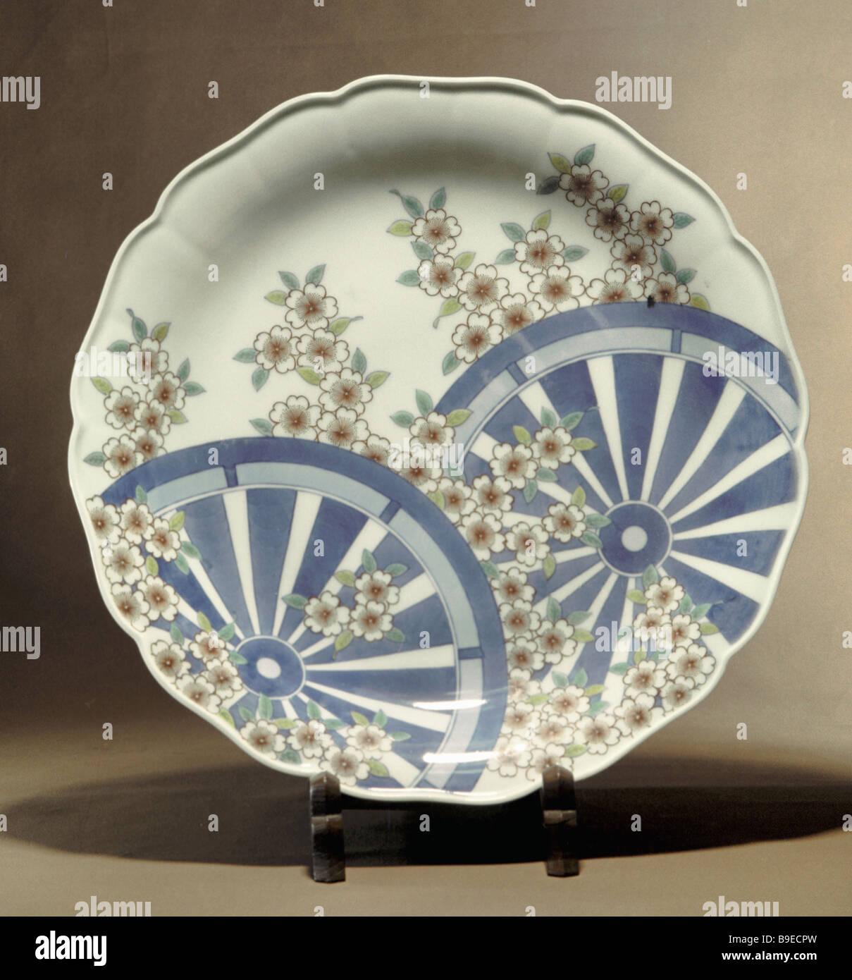 Sakura in Spring Dish painted by Japanese artist Imaizumi Imaeton 20th century Oriental Art Museum Moscow - Stock Image