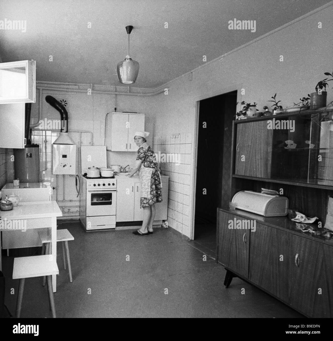 Kitchen in standard dwelling houses built in the Selskaya Nov settlement - Stock Image