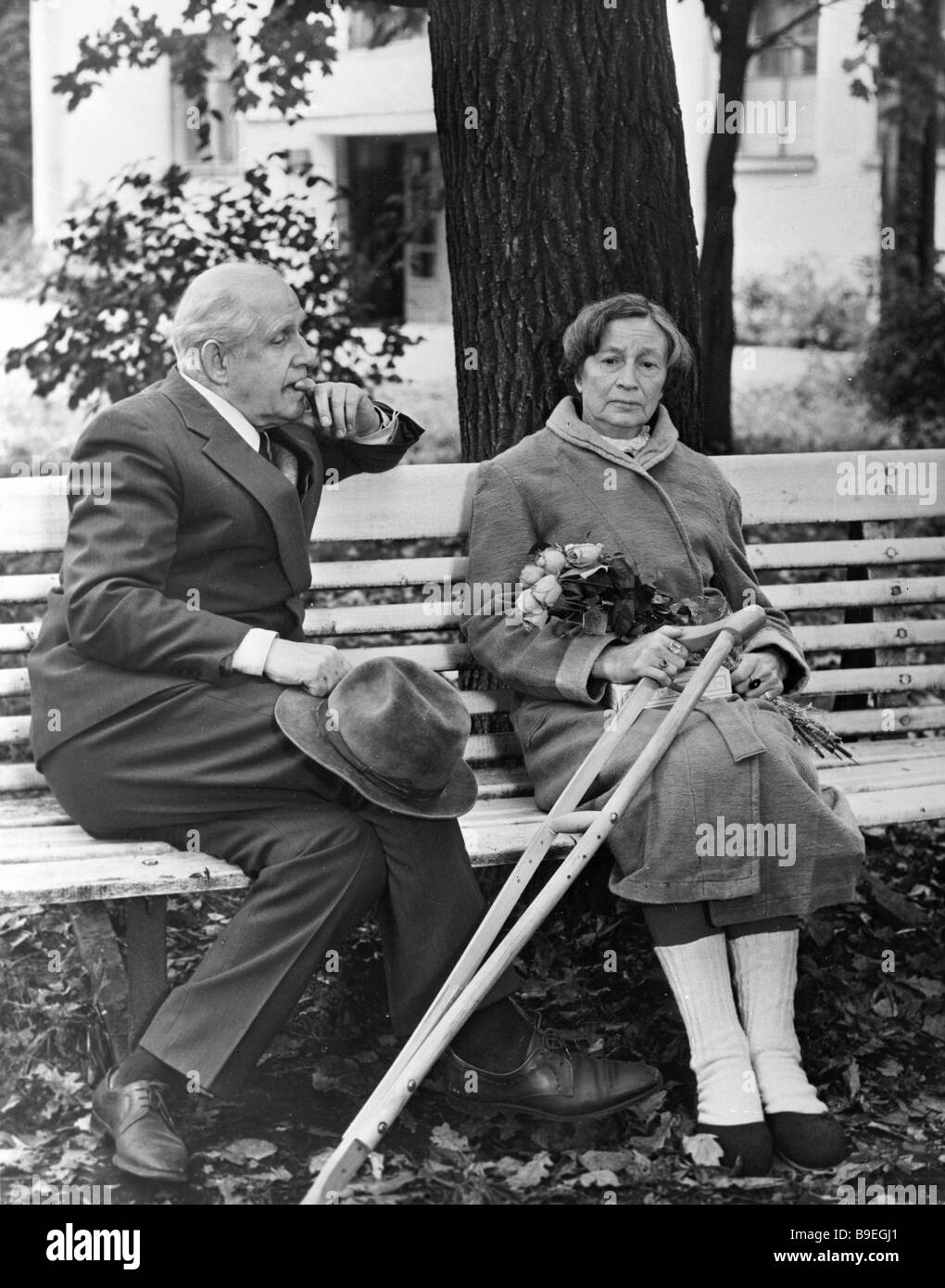 Bruno Freindlikh As Old Man Left And Angelina Stepanova As Old Woman Stock Photo Alamy