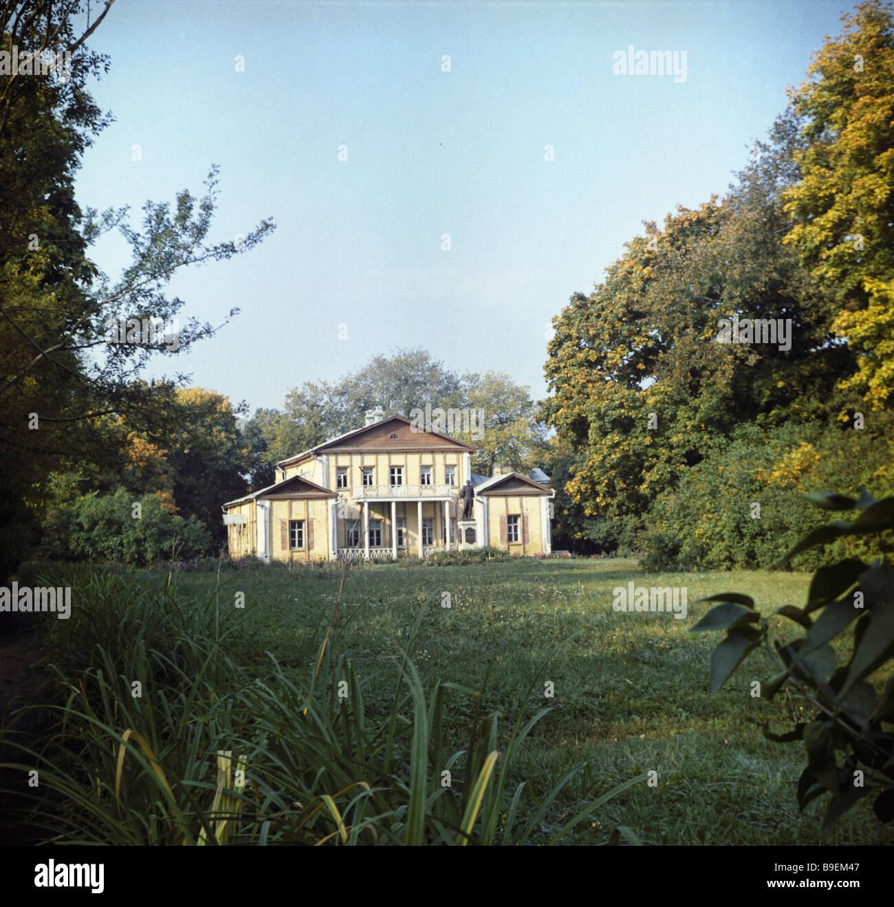 The squire s house on the Tarkhany estate of Elizaveta Arsenyeva poet Mikhail Lermontov s grandmother Lermontovo - Stock Image