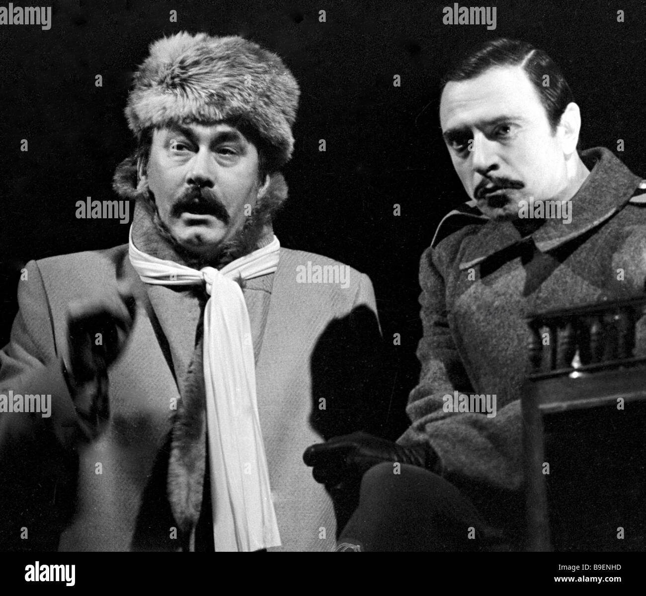 Mikhail Bulgakov s Flight on at the Mayakovsky Theatre Moscow Alexander Lazarev as General Khludov right and Vladimir - Stock Image