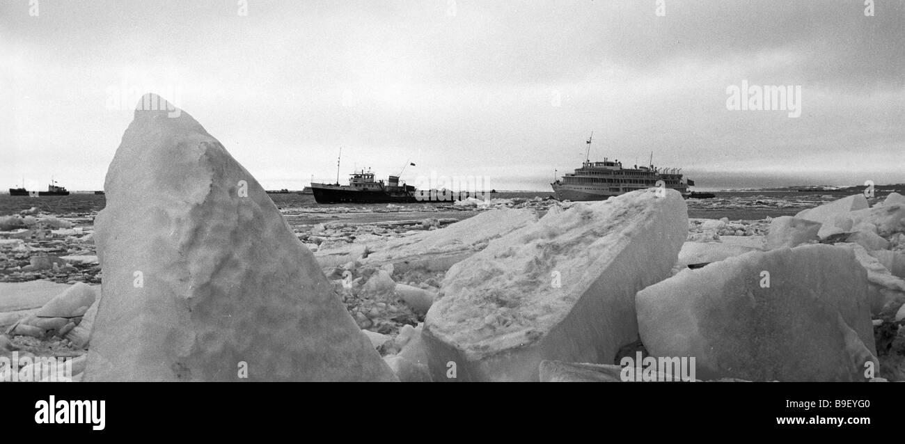 Ships plying the Yenisei river - Stock Image