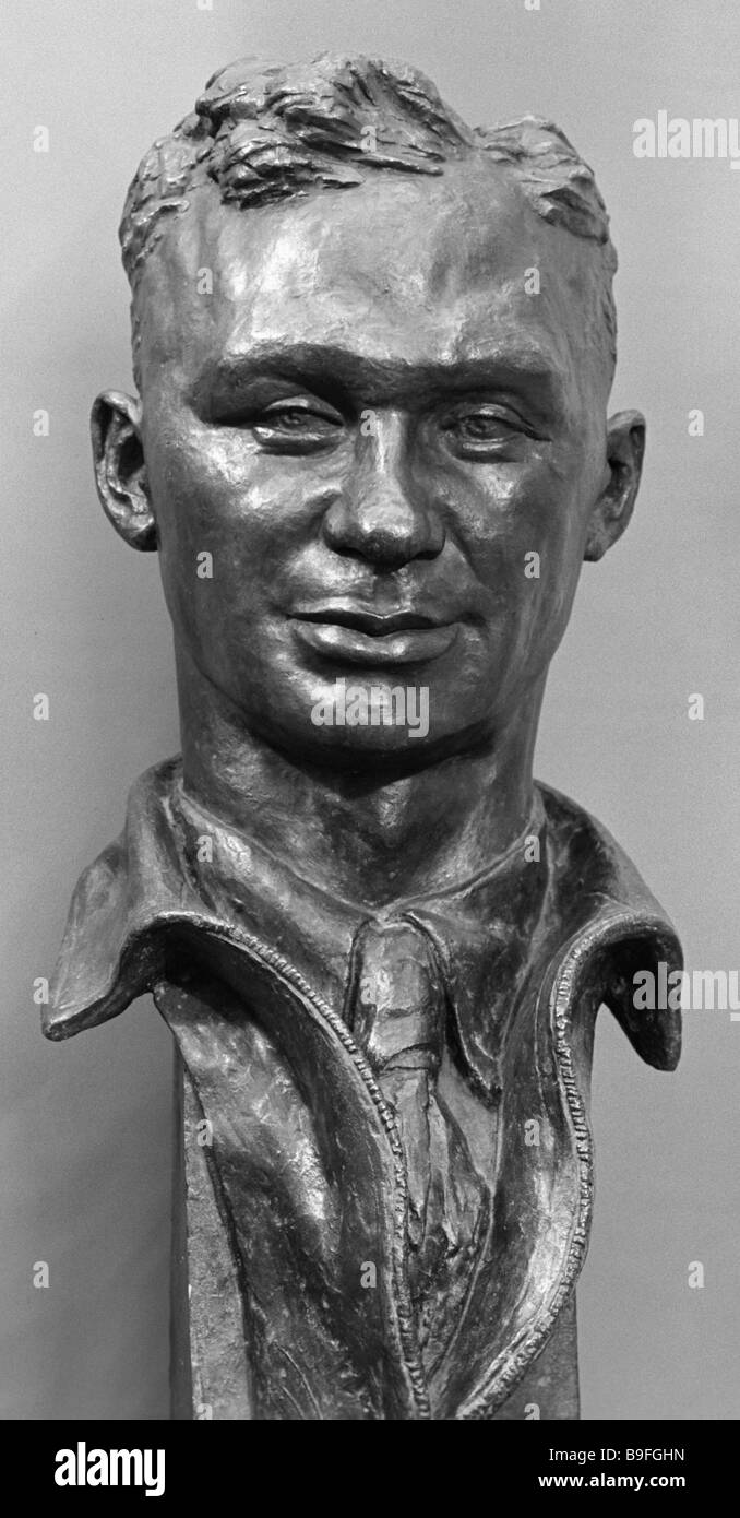 A bronze bust of pilot V Kokkinaki by Vera Mukhina 1889 1953 Created 1939 Collection of the State Russian museum - Stock Image