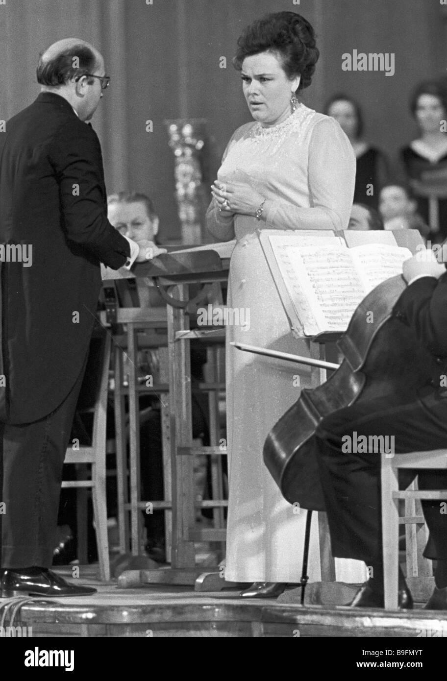 Laureate of the 1970 Lenin Prize RSFSR People s Artiste Lyudmila Zykina perfroms R Shchedrin s oratorio Lenin in - Stock Image