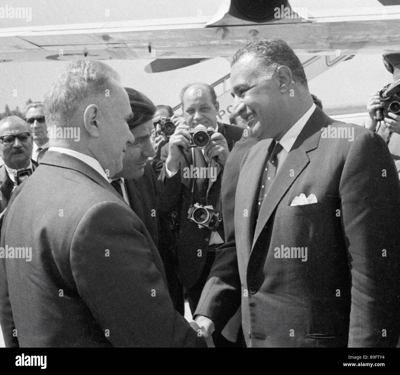 Chairman of the U S S R Council of Ministers Alexei Kosygin left meeting with Egyptian leader Gamal Abdel Nasser - Stock Image