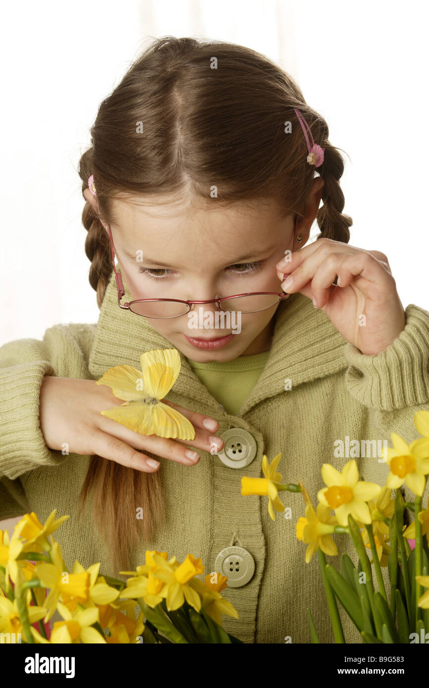8-10 years prestige considerations flowers glasses butterflies spring spring-flowers spring-dawn semi-portrait hand Stock Photo