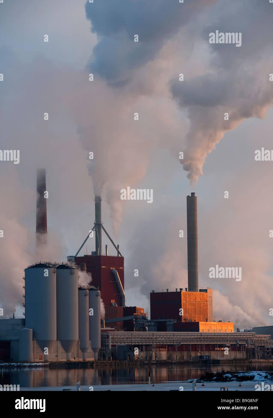 Stora-Enso paper mill at Nuottasaari Oulu Finland at sunset - Stock Image