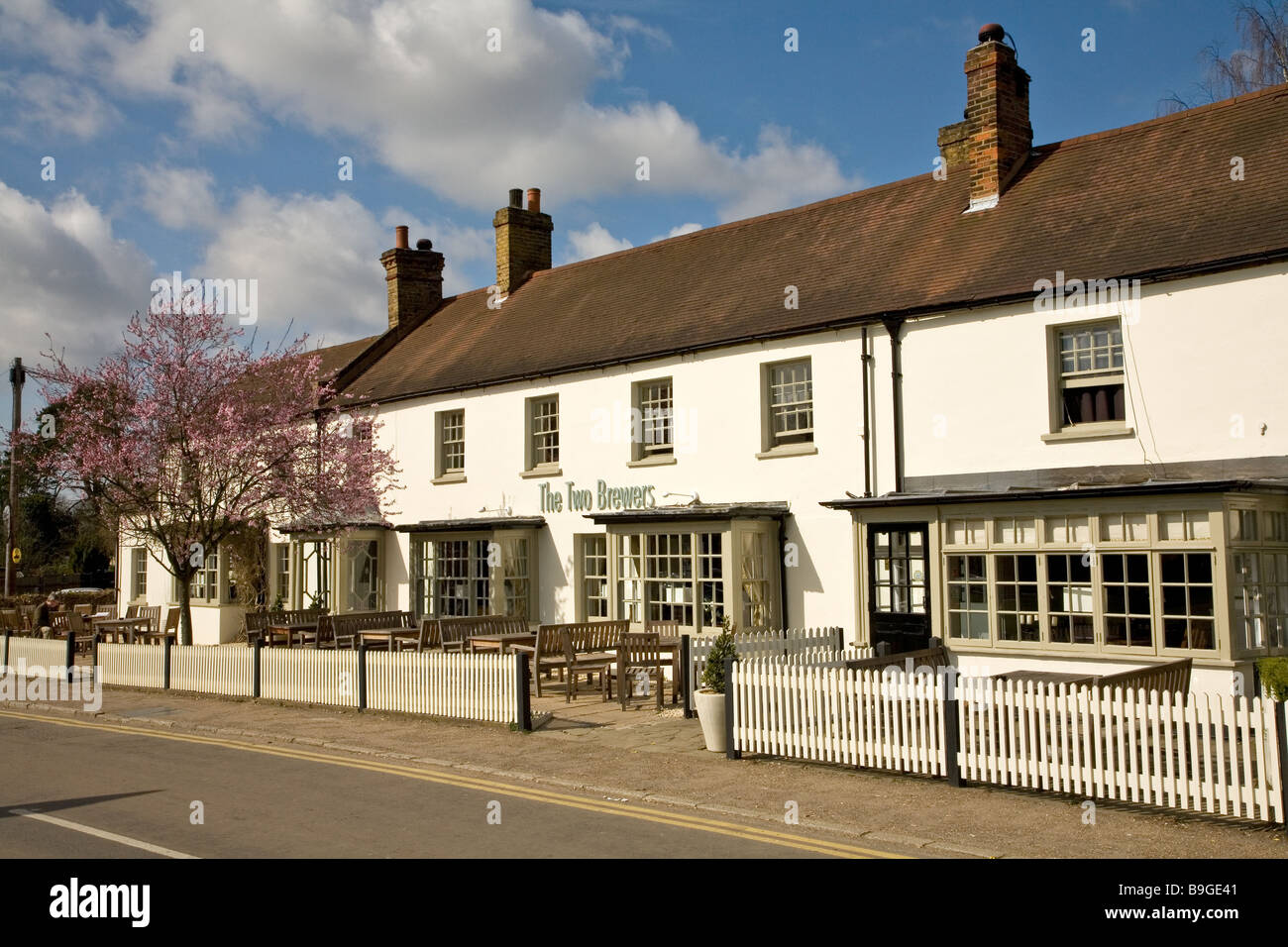 The Two Brewers Pub at Chipperfield Herts village pubs village green and pub, public house traditional - Stock Image
