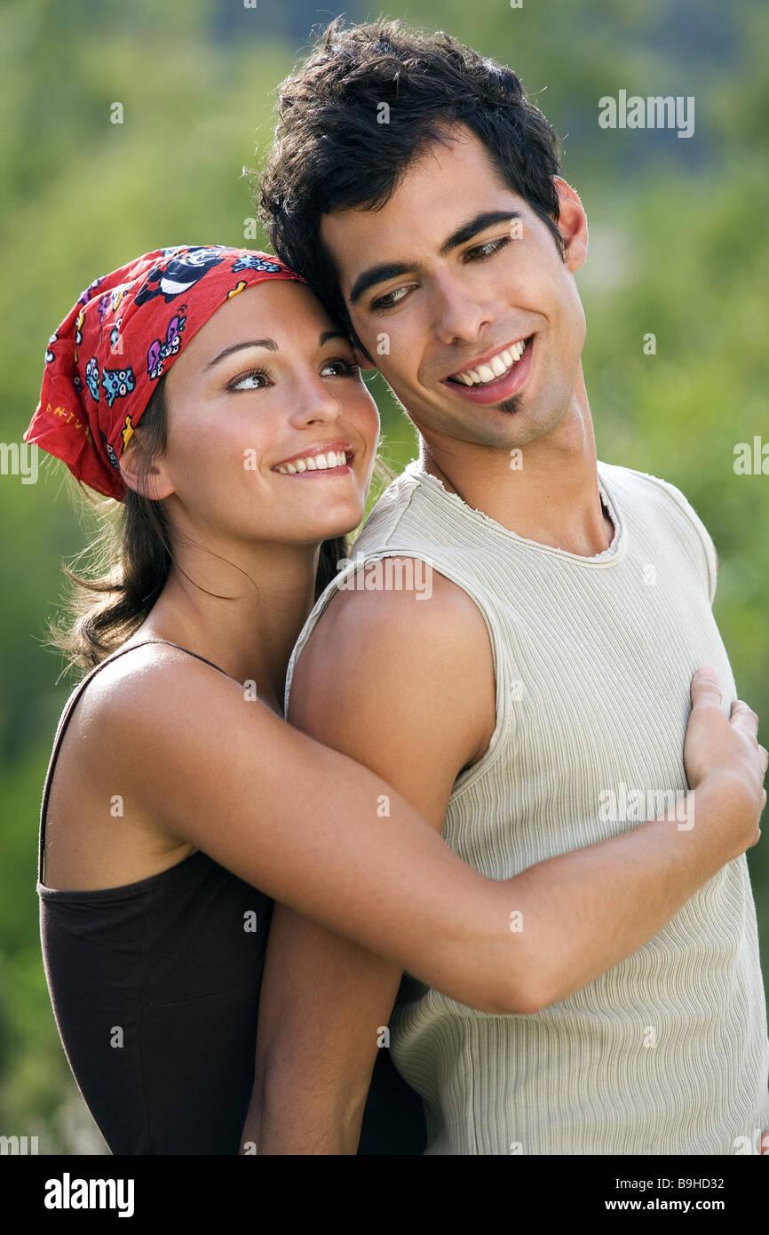 20 yr old dating 30 yr old