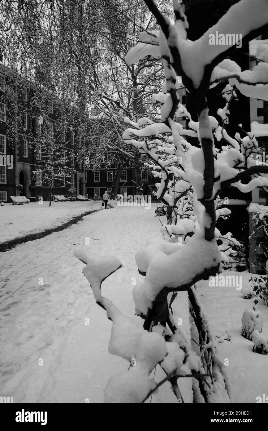 Heavy snow in Fountain Court, Middle Temple, Inns of Court, London - Stock Image