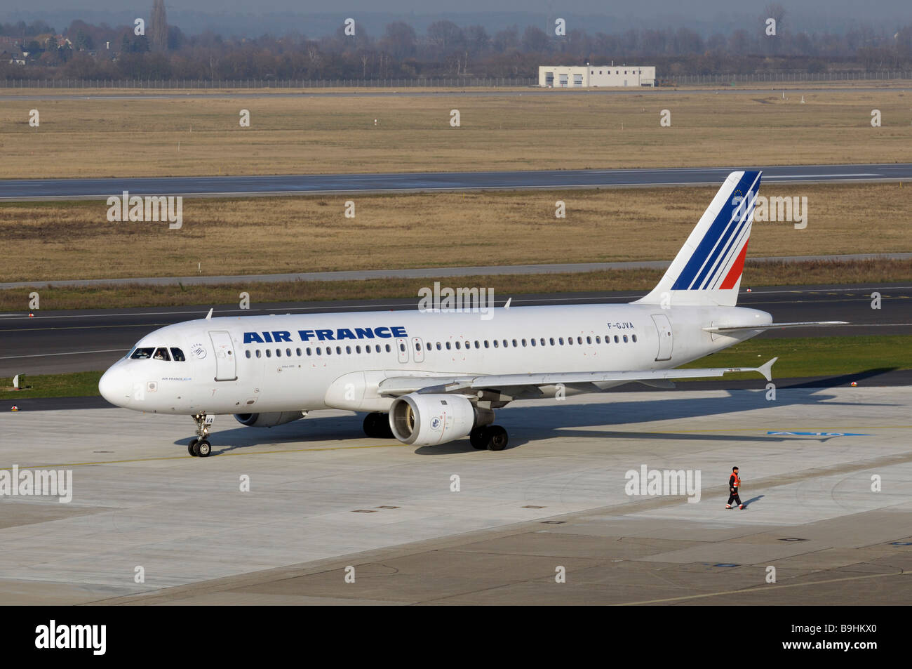 Air France KLM Airbus A 320 in the manoeuvring area, Duesseldorf International Airport, North Rhine-Westphalia, - Stock Image