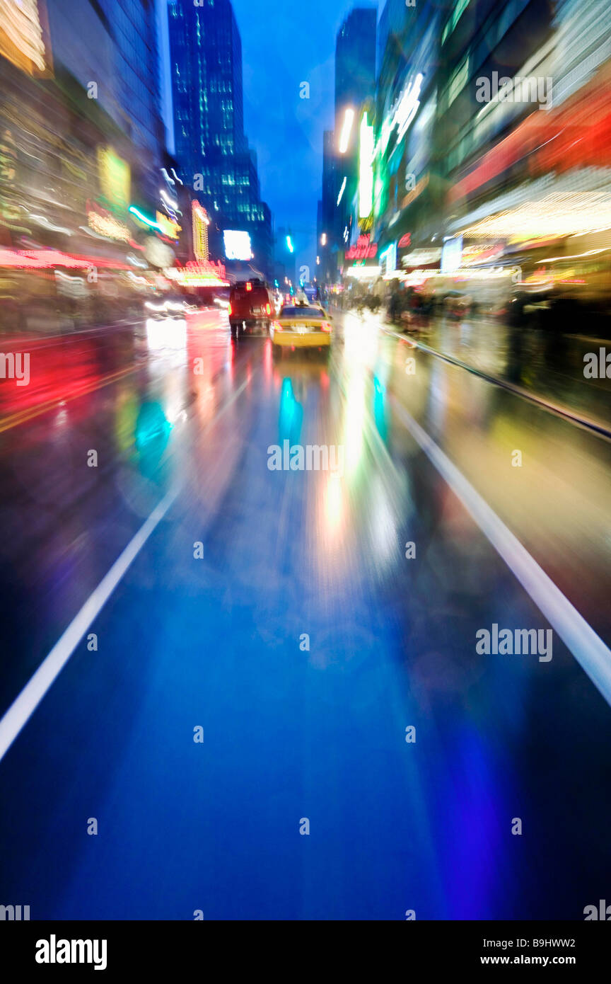Night scene of 42nd Street near Times Sq - Stock Image