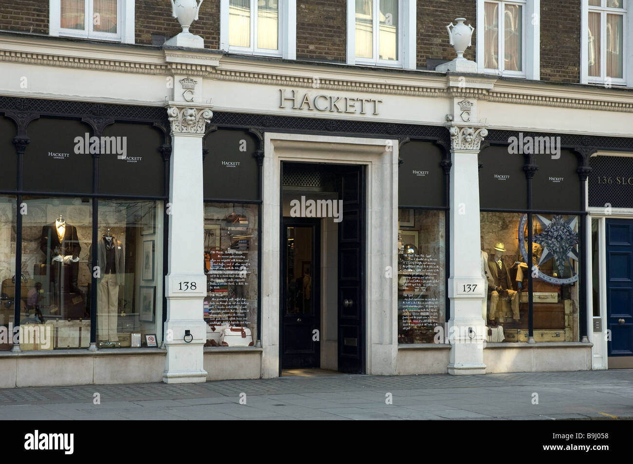 HACKETT FASHIONABLE MENS OUTFITTERS SLOAN STREET LONDON UK - Stock Image