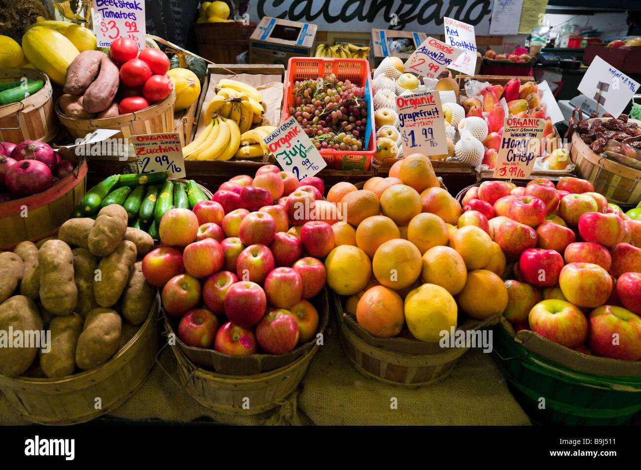 Produce stall, Pike Place Market, downtown Seattle, Washington, USA - Stock Image