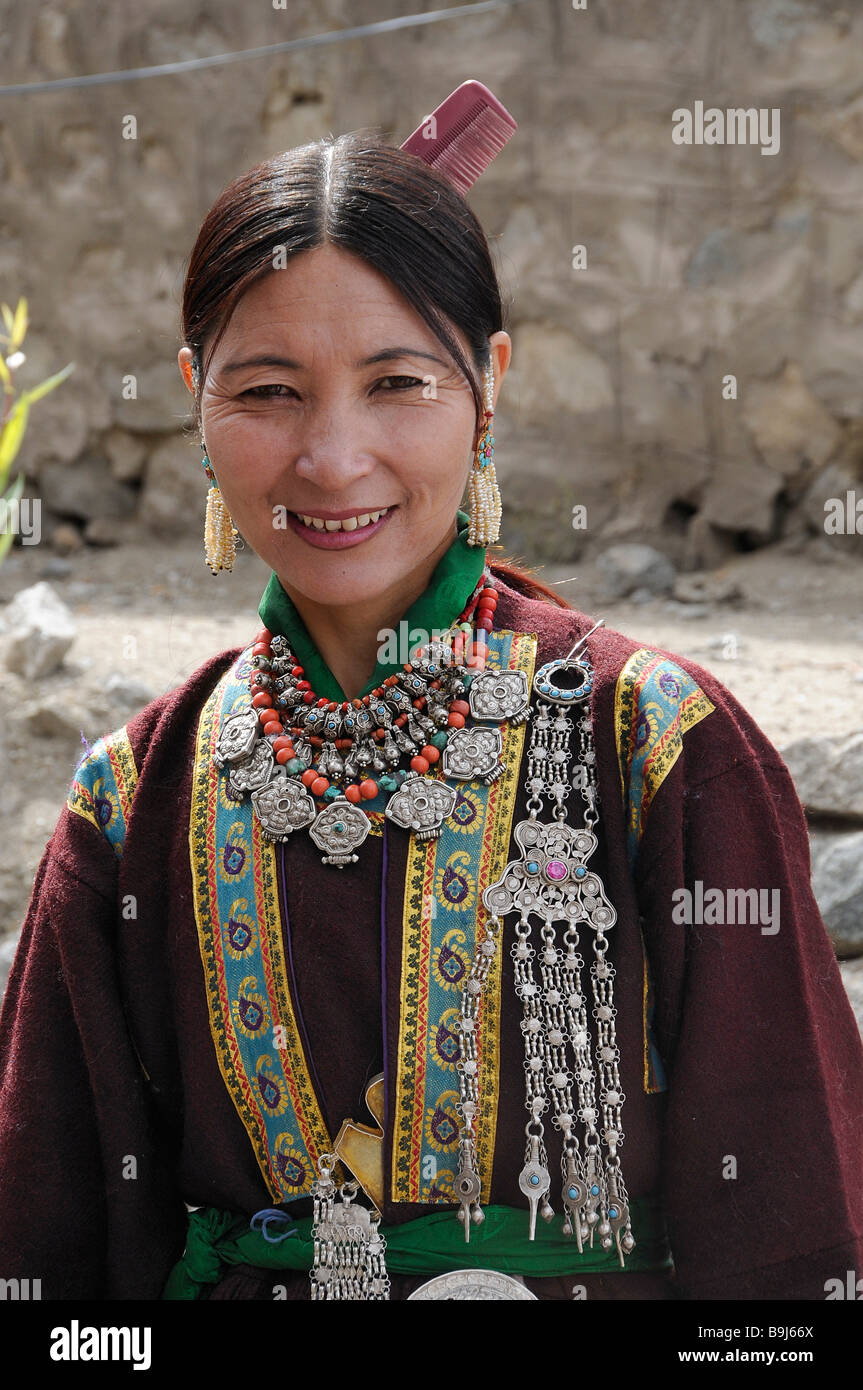 Ladakhi woman in traditional costume, Leh, Ladakh, North India Stock Photo  - Alamy